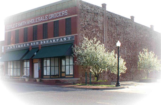 RedStone Country Inn - Best Oklahoma Getaway - www.montfordinn.com