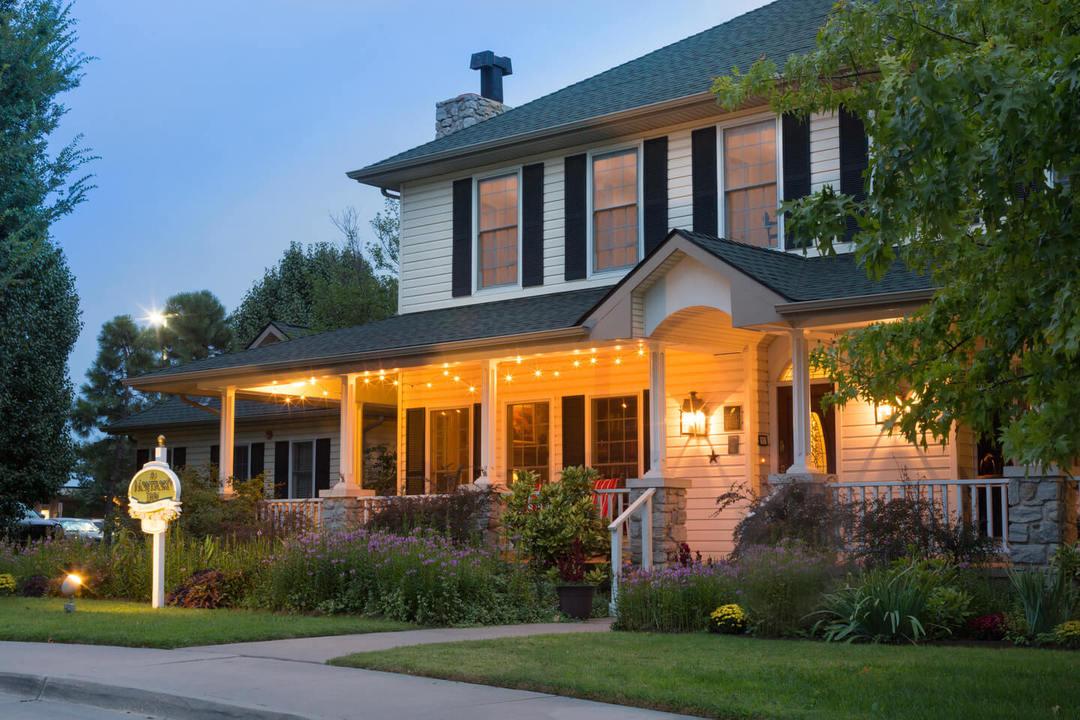 Montford Inn - Oklahoma romantic weekend getaway bed and breakfast