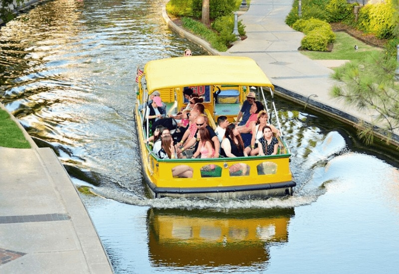 romantic things to do in oklahoma city - bricktown water taxi