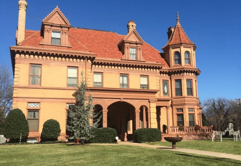 romantic things to do in oklahoma city - henry overholser mansion