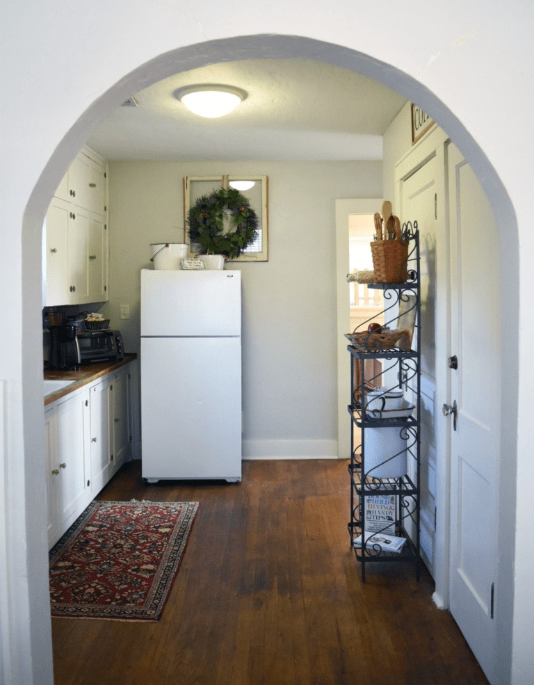 Kitchen in cottage of bed and breakfast in Norman, Oklahoma.