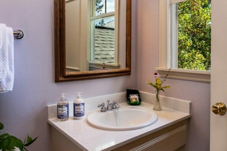 Hearthstone bathroom romantic weekend getaways in ok