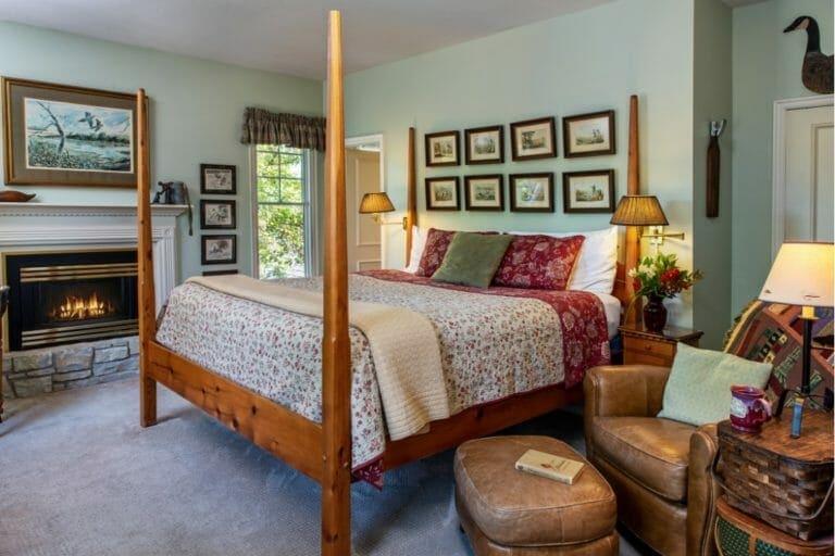 Trophy Room bedroom romantic weekend getaways in ok