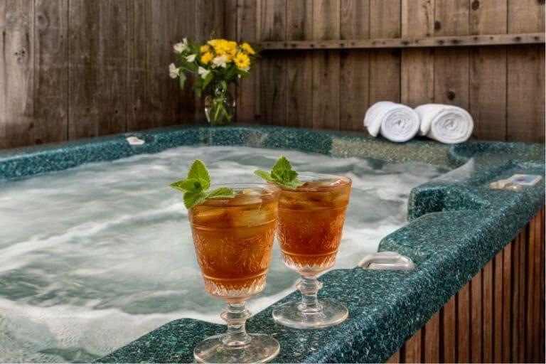 romantic weekend getaways with hot tub